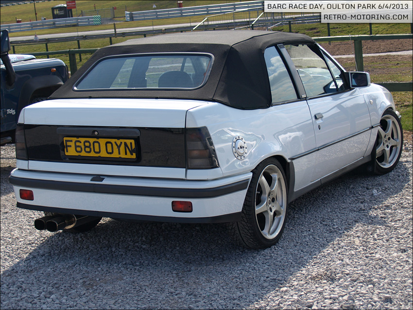 white vauxhall astra mk2 gte convertible barc championships oulton park 2013 retro motoring. Black Bedroom Furniture Sets. Home Design Ideas