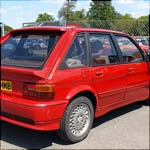 Red MG Maestro Turbo